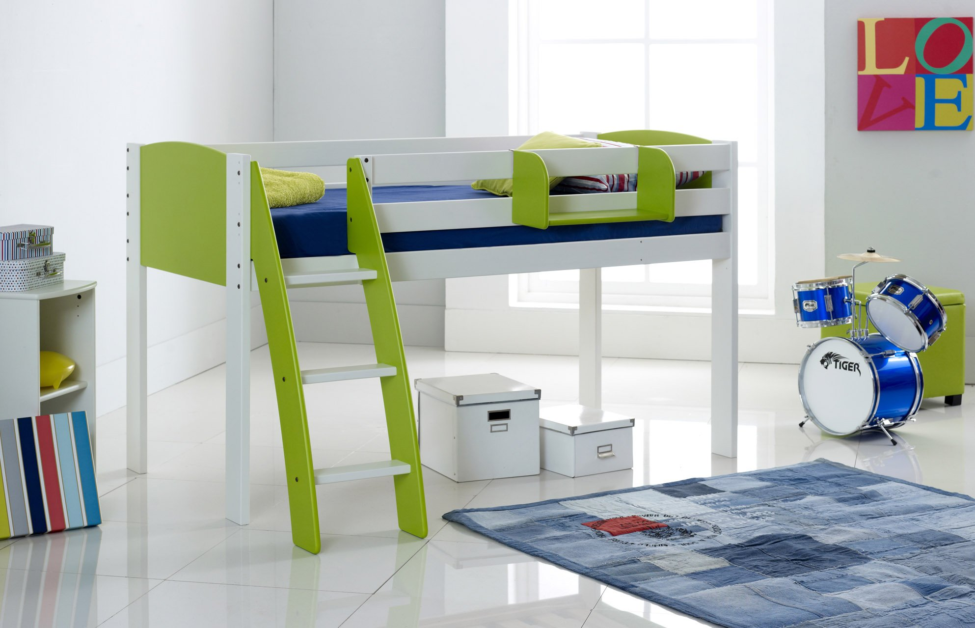 Green Cabin Bed Curved Ladder