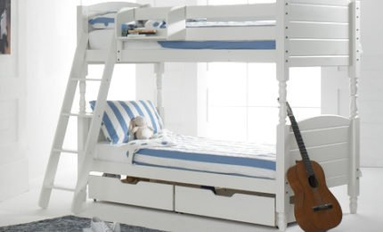 Boston Bunk Bed in White with 2 Under Bed Drawers & Hook On Shelf.